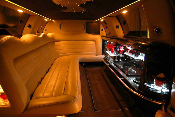 8 Person Lincoln Limo Service Ft Worth
