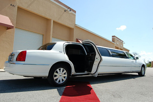 8 Person Lincoln Stretch Limo Ft Worth